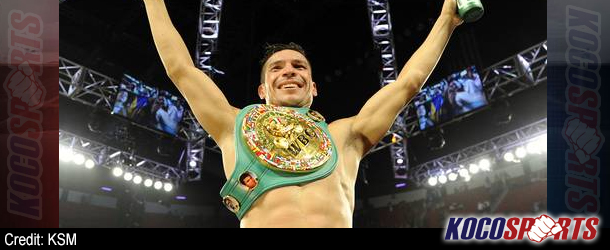 Sergio Martinez dominates Chavez Jr. despite breaking his left hand in the 4th