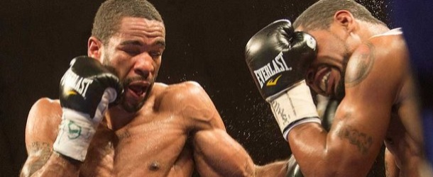 Lamont Peterson defends IBF title, stops Holt in 8th