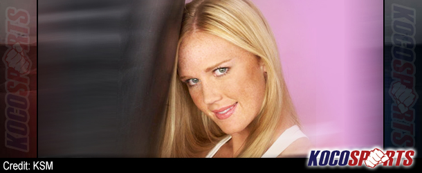 Dana White announces the signing of Holly Holm to the UFC Women's Division