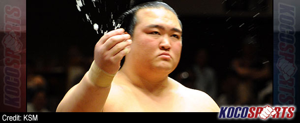 Kisenosato stops Hakuho's run, Haruma back in share of lead at Kyushu Basho