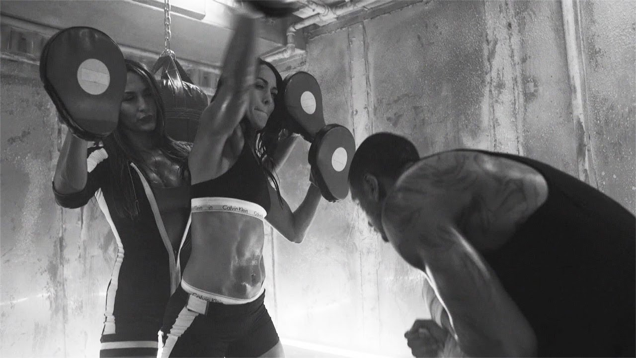 "The Bella Twins star in Trey Songz ""Na Na"" music video"