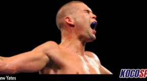 Tony Bellew recovers from a first round knock-down to win the vacant WBC cruiserweight world title